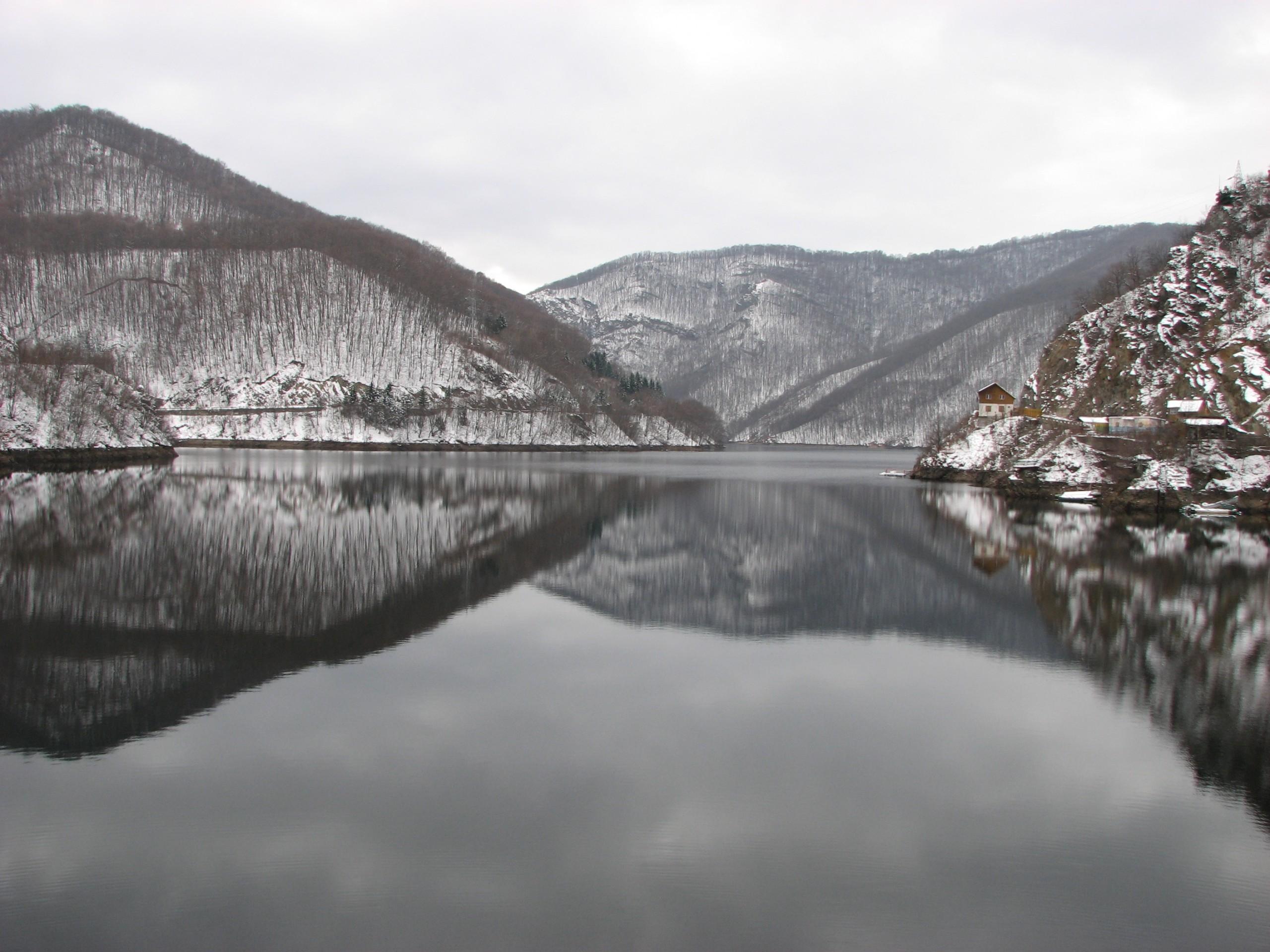 image of Lake Tarnița