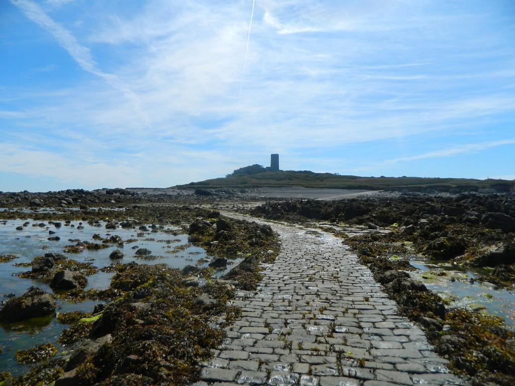 Image of pathway to Lihou Island